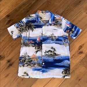 Gap Kids Boys Hawaiian Print Button Down Shirt